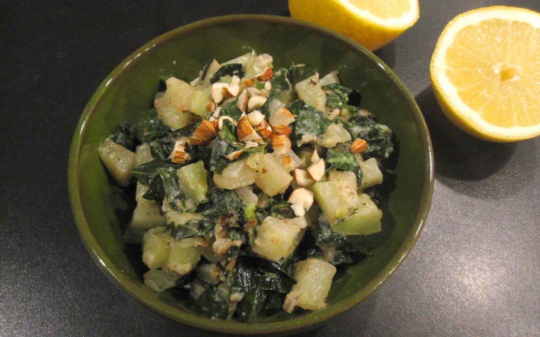 Kohlrabi-Gemüse mit Stiel und Blatt